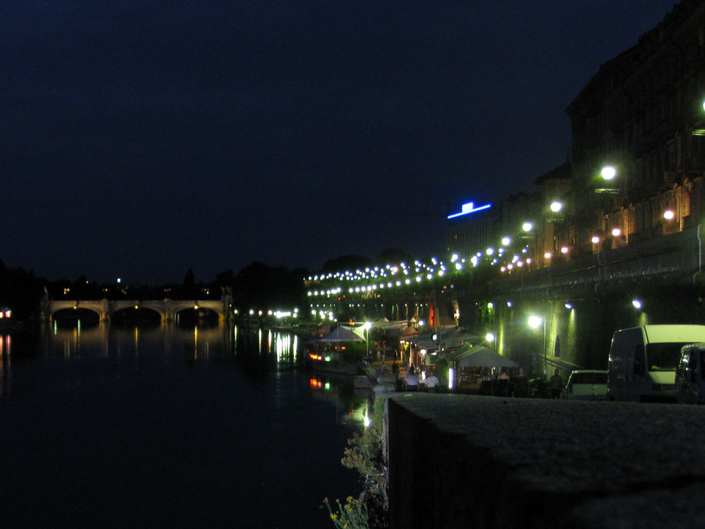 Torino: Murazzi (via Murazzi del Po)